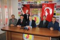 HATAY VALİSİ - Hatay Valisi Erdal Ata Açıklaması 'Gazeteciler Önemli Bir Kamu Hizmeti Yapıyor'