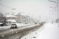 BELEDIYE OTOBÜSÜ - İzmir'de kış sert geçiyor!