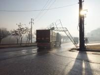 AKKENT - Milas'ta Damperi Açık Unutulan TIR Korku Saçtı