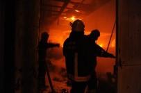 MOBİLYA - Mobilya Atölyesinde Çıkan Yangın Korkuttu