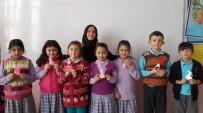 BEBEK ARABASI - Öğretmenden Başarılı Öğrencilere El İşi Hediye