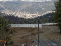 LAZKİYE - Suriye sınırına 12 kilometre uzunluğunda duvar