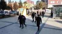 Vatandaşların Telefonları Gasp Eden 4 Zanlı Yakalandı