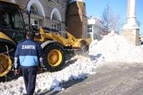 YAYA TRAFİĞİ - Beyşehir Belediyesi'nin Kar Mesaisi Durmuyor