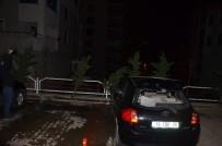 ULUDAĞ - Bursa'da Şiddetli Lodos Ağaçları Söktü, Çatıları Uçurdu