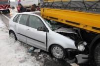 Buz Tutan Yol Kazaya Neden Oldu Açıklaması 3 Yaralı