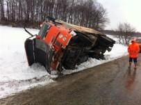 Kar Kürüme Ve Tuzlama Aracı Kaza Yaptı Açıklaması 1 Yaralı