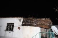 AİLE VE SOSYAL POLİTİKALAR BAKANLIĞI - Milas'ta Yanan Şehit Ailesinin Evi İçin Yıkım Kararı Çıktı