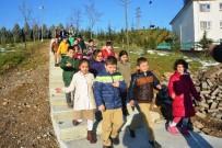 ŞAHIT - Minik Öğrenciler, Başkan Doğan'a Teşekkür Etti