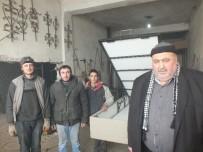 DEMIRCILIK - Malazgirt'te Babalarının Kiloları Sayesinde Baza Üretimine Başladılar