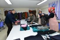 EYÜP EROĞLU - Tokatlı Kadınlar İhtiyaç Sahipleri İçin Kışlık Kıyafet Dikti