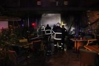 TURGUT ÖZAL - Adana'da Bir Cafe-Bar Yandı Açıklaması 1 Kişi Dumandan Etkilendi