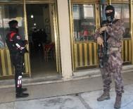 HAREKAT POLİSİ - Adana'da PKK Yandaşları Sokaktan Temizlendi