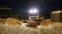 Ankara Büyükşehir'in Çevre İlçelerdeki Karla Mücadelesi Devam Ediyor