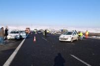 GİZLİ BUZLANMA - Ankara'da Aynı Noktada 3 Ayrı Kaza Açıklaması 6 Yaralı