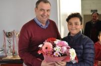 RESİM YARIŞMASI - Ayvalık'ta Kent Konseyi Çocuk Meclisi'nden Başkan Gençer'e Ziyaret