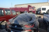 VERGİ BORCU - Borcu Nedeniyle Bağlanan Lüks Araç Eski Sahibi Tarafından Satın Alındı