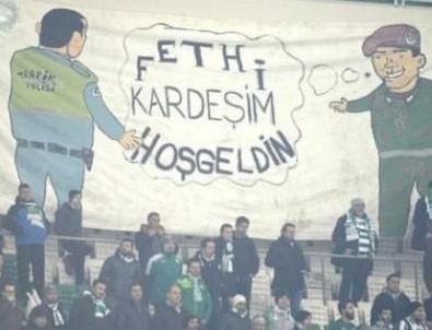 Bursa tribünlerinde duygulandıran pankart!