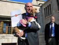 MAHMUT TANAL - CHP'li vekil Meclis'e köpeğiyle geldi