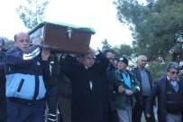 KÖY MEZARLIĞI - Denizli'de Yangın Faciasında Hayatını Kaybeden Aile Toprağa Verildi