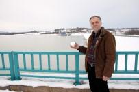 MUSTAFA BAYRAM - Dereceler -13'Ü Görünce Dev Baraj Buzla Kaplandı
