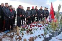 Elazığspor, Kahraman Şehidin Kabrini Ziyaret Etti