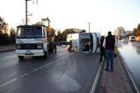 SERVİS OTOBÜSÜ - Fabrika İşçilerini Taşıyan Servis Devrildi Açıklaması 11 Yaralı