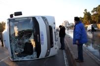 SERVİS OTOBÜSÜ - İşçi Servisi Devrildi Açıklaması 11 Yaralı