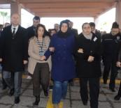ŞEHİT POLİS - Kahraman Polisin Eşi Ve Çocuğu Adliyeye Geldi