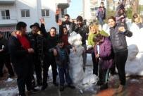 SEL FELAKETİ - 'Kar', Zihinsel Engelli Öğrencileri Mutluluktan Havaya Uçurdu
