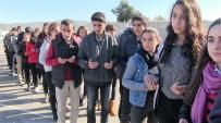 Okul Yolunda Ölen Aslı İçin Arkadaşları Lokma Döktürdü