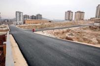 Seyrantepe Mahallesinde Yeni Açılan Yollar Asfaltlanıyor