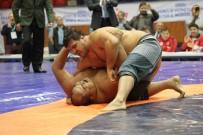 RECEP KARA - Başpehlivan Recep Kara Asya Sumo Şampiyonunu Tuş Etti