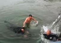 YÜZME - Bir Hafta İçinde Boğulma Tehlikesi Geçiren 2 Kişiyi Kurtardı