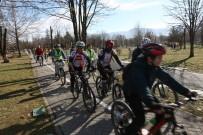 MEME KANSERİ - Bolu Belediyesi'ne Hediye Edilen Bisikletler Hizmete Girdi