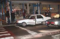 'Dur' İhtarına Uymayan Otomobile Ateş Edilerek Durduruldu