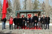 KOMANDO TUGAYI - Harp Malulü Gaziler, Şehit Dul Ve Yetimleri Derneği Kastamonu Şubesi Yönetimi 'Şehitler Durağını' Ziyaret Etti