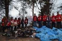 Orman Yangını Sahasında Çöp Temizliği Yaptılar