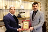 GÖREV SÜRESİ - Tayini Çıkan Emniyet Müdürü Mahmut Çetin'e Plaket