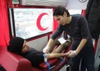 TÜGVA Dan Kızılay'a Kan Bağışı