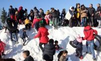 YÜREĞIR BELEDIYE BAŞKANı - Adanalıların Kar Sevinci