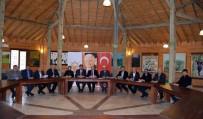 AK Parti'nin İlçe Başkanları İstişare Toplantısında Buluştu