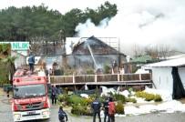 PAZAR GÜNÜ - Anaokulu Atölyesinde Çıkan Yangın Korku Dolu Anlar Yaşattı