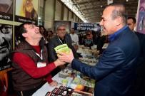 ÖZEL KUVVETLER - Başkan Sözlü Kitap Fuarını Gezdi