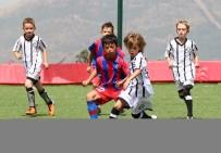 YEDEK OYUNCU - Bayraklı'da, Şehit Anısına Futbol Turnuvası