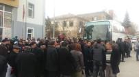 CAMİİ - Besni'de Umreciler Kutsal Topraklara Uğurlandı
