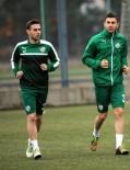 AKHİSAR BELEDİYESPOR - Bursaspor'un Yeni Transferleri İlk Antrenmanlarına Çıktı