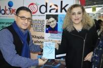 Hayati Koca 'Masiva'yı Okurlarına İmzaladı
