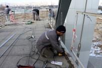 TURGUT ÖZAL - Hırsızlar Çalıyor, Belediye Yeniden Yapıyor