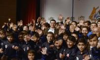 MUSTAFA ÖZSOY - Kepez'in Yıldızları Eğitim Ve Spor Projesi' Kapsamında 300 Öğrencinin Katılacağı 2017 Eğitim Sezonu Törenle Açıldı.